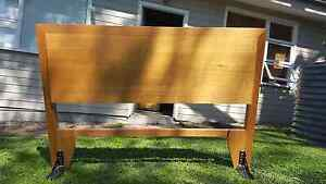 Teak bed-head for queen size bed Willoughby Willoughby Area Preview