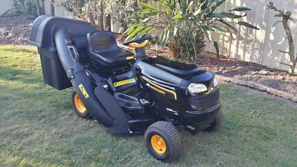 """RIDE ON MOWER 38"""" McCulloch near new condition with light use Deception Bay Caboolture Area Preview"""