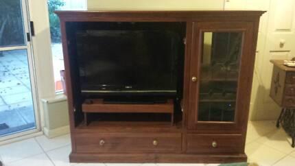 Solid wood Entertainment / TV Unit
