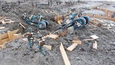 1:32 Scale Painted W.W.1 U.S. & German Soldiers and Tanks