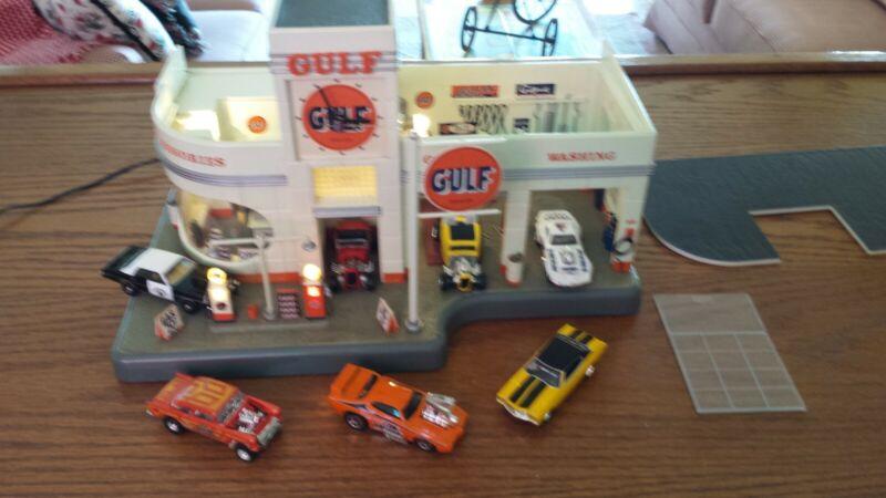 DANBURY MINT GULF GAS SERVICE STATION CLOCK & DIORAMA 1:48 SCALE