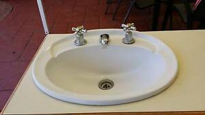 Bathroom vanity unit and sink Cleveland Redland Area Preview