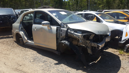 2006 NISSAN TIIDA GOLD FOR WRECKING