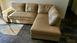 Beautiful DANKZ genuine cow hide leather couch, v good condition $890