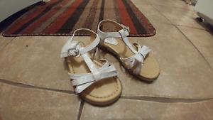 Girls sandals (size 10)