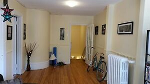 SIZEABLE 3 BEDROOM - INGLIS STREET DOWNTOWN