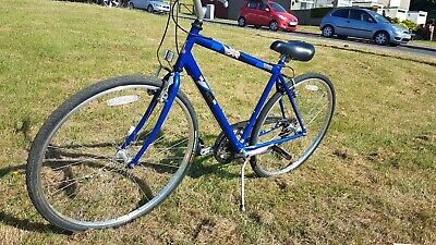 Raleigh Pioneer hybrid bike, excellent condition, ready to ride away, one only