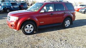 ** 2008 FORD ESCAPE 4X4 XLT * FULLY INSPECTED * WARRANTY INC *
