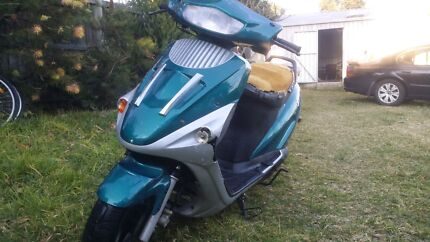 100cc petrol scooter Wolli Creek Rockdale Area Preview
