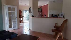 Room available 5mins walk to beach at Kewarra Beach Kewarra Beach Cairns City Preview