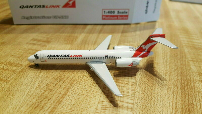 Phoenix Models QantasLink  B 717-2K9 1:400 PH4QFA283 2007s Cols VH-NXO