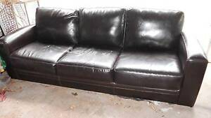 Freedom 3 seater lounge - FREE - Pick up only Peakhurst Hurstville Area Preview