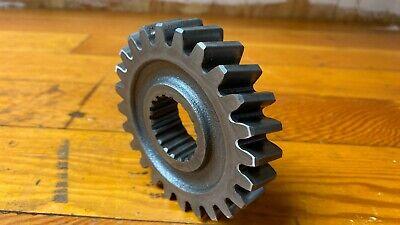John Deere 655 Pto Shaft Gear Rear M800528 Tl