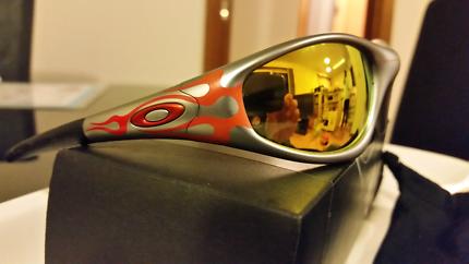 Oakley sunglasses  straight  jackets