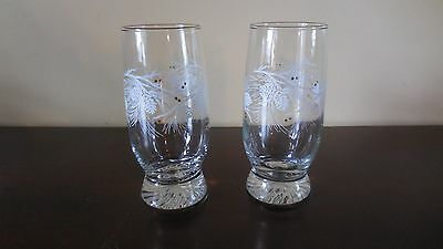 2 Clear Drinking Glasses  w/ White Pine Cone & Needles Design