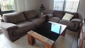 3 Seater + 2 Seater Lounge Smithfield Cairns City Preview