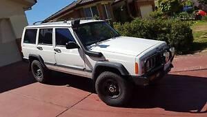 1997 Jeep Cherokee Wagon $3,900 Amaroo Gungahlin Area Preview