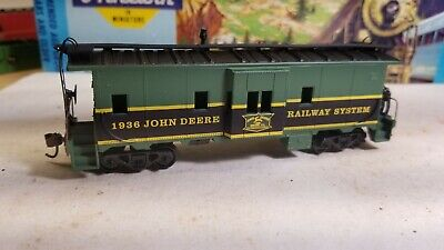HO Athearn John Deere Tractors advertising caboose for train set 1936
