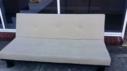 Cream couch Sans Souci Rockdale Area Preview