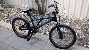 REDLINE ROMP BMX BIKE ( NO EMAILS )