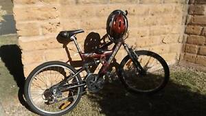 boys mountain bike Old Bar Greater Taree Area Preview