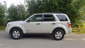 2008 Ford  Escape XLT LOADED  V6 LOW KMS  MINT CONDITION CERTIFI
