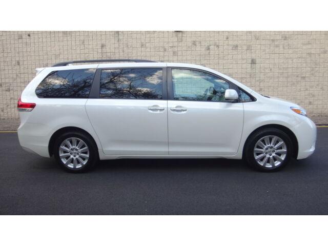 Image 1 of Toyota: Sienna LIMITED…