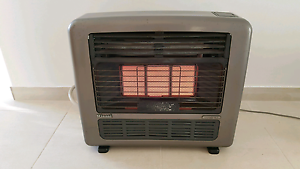 Rinnai Granada mk2 25mj natural gas heater suits large areas  Wil Minto Campbelltown Area Preview