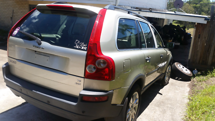 Wrecking volvo xc 90 all parts panels mechanical