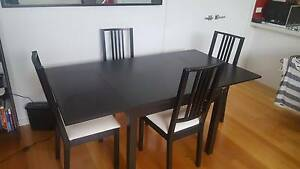 Extendable Dining table Brunswick Moreland Area Preview