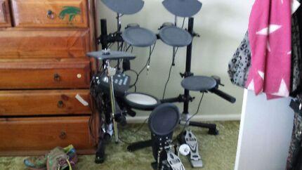 9 Piece electric drum kit  Doonside Blacktown Area Preview