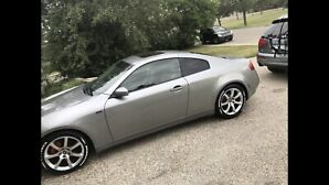 Clean Infiniti g35 coupe with low km and mint interior!