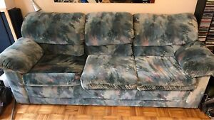 FREE - 3 Person Sofa MUST PICKUP TODAY!