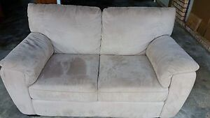 3 Piece Lounge Suite Windsor Hawkesbury Area Preview
