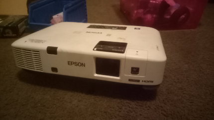 Epson HD Wifi LCD Movie projector