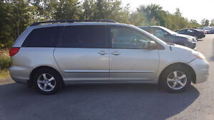 2009 Toyota Sienna LE*** DEMARREUR A DISTANCE, 8 PASSAGERS****