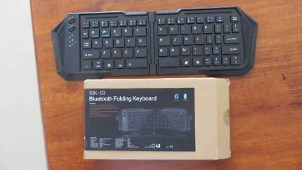 Bluetooth wireless folding keyboard -good condition, cheap