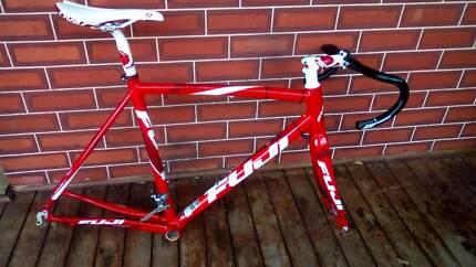 Road bike 700c FUJI frame PROJECT