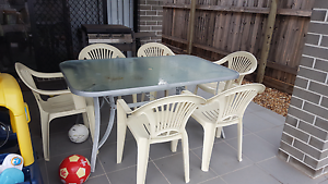 Outdoor Table and Chairs Murrumba Downs Pine Rivers Area Preview