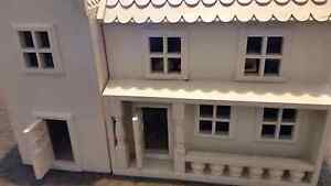 DOLLS HOUSE  WOULD LIGHT A CHILDS  DAYS Highton Geelong City Preview