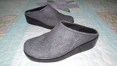 ANN TAYLOR Women's Gray FABRIC MULE CLOG Leather SOLES & LINING 6.5M LOW Wedge