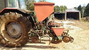 Precision maize planter Rocky Cape Circular Head Preview