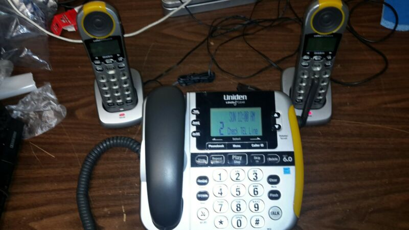 Uniden CEZAI2998 Loud & Clear Corded Phone + 2 extra HandSets