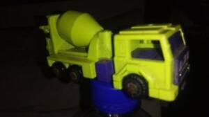 Hasbro vintage******1984 transformer cement truck