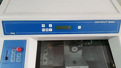Leica Jung Cryocut 3000 Cryostat - Display
