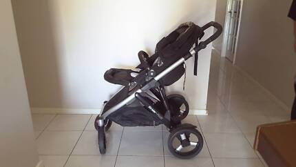 Steelcraft Strider Plus 4 Pram And Car Capsule With Two Car Bases