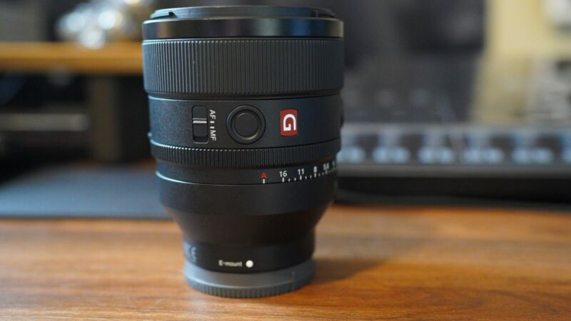 Sony FE 50mm f/1.2 G Master Lens w/ Free Tiffen Variable ND Filter (10/10 Cond)