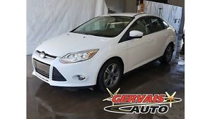 Ford Focus Sedan SE 2014