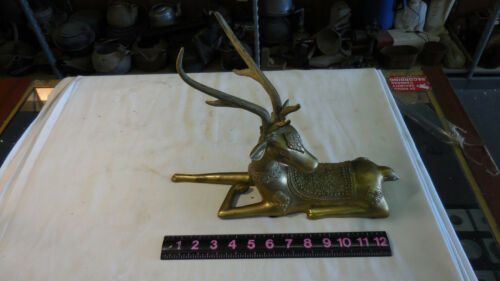 LG. BRASS DEER / STAG LAYING DOWN