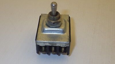 Cutler Hammer Toggle Switch 10a 250vac 15a 125vac 3-position Maintained
